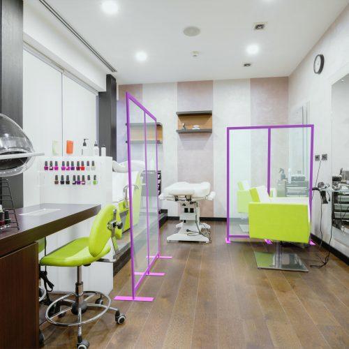Bezpieczny salon fryzjerski, kosmetyczny